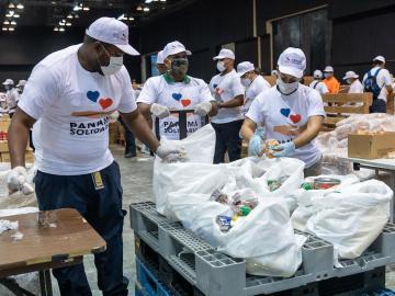 Gobierno dice que han entregado 4.5 millones de bolsas de alimentos
