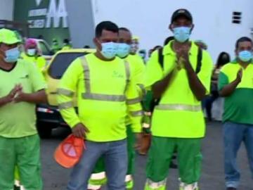 ¡Se emberracaron!Trabajadores del aseo reclaman sus bonos navideños
