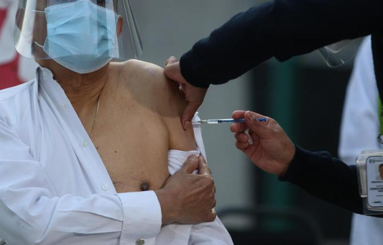Costa Rica recibe primer lote de 9 mil 750 vacunas contra covid
