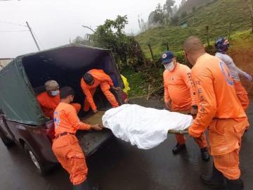 Auxilian a anciana fracturada en Tierras Altas
