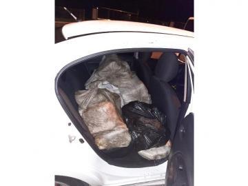 127 paquetes de droga dentro de sedán en Panamá Viejo