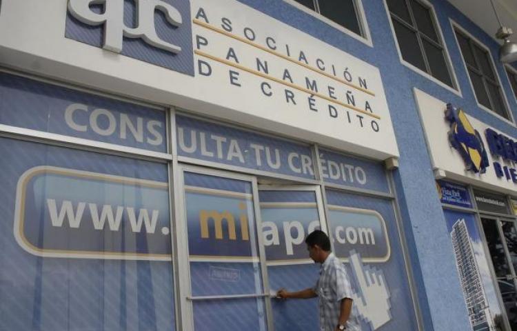Sancionan ley que modifica normas sobre historial de créditos