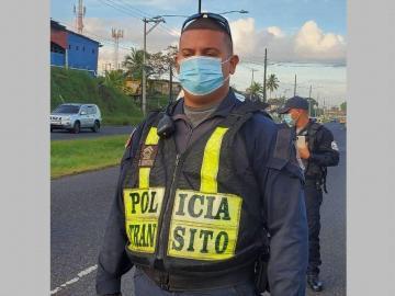 Acusan de colisión y fuga a periodista colonense