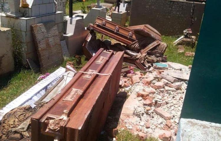 Detenidos en Florida dos hispanos por profanar tumbas para rituales