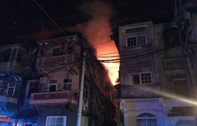 Fuego deja sin casas a Colonenses