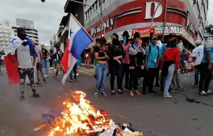 Detienen al joven activistaAndré Conte