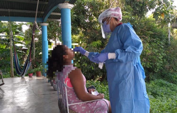 Más de 40 médicos y enfermeras han caído por la covid-19