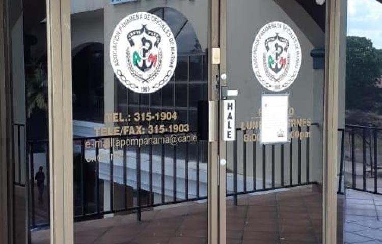 Oficiales de la Marinalamentan no estar en fase 1 de vacunación