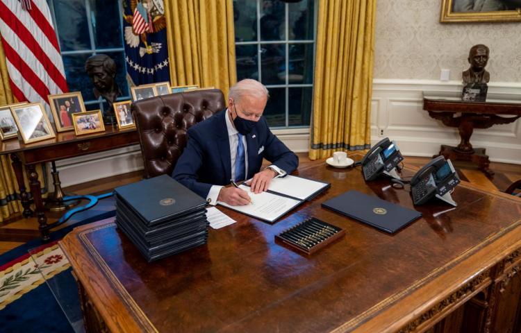 Biden anuncia su plan de respuesta a la covid-19 ante la ausencia de uno