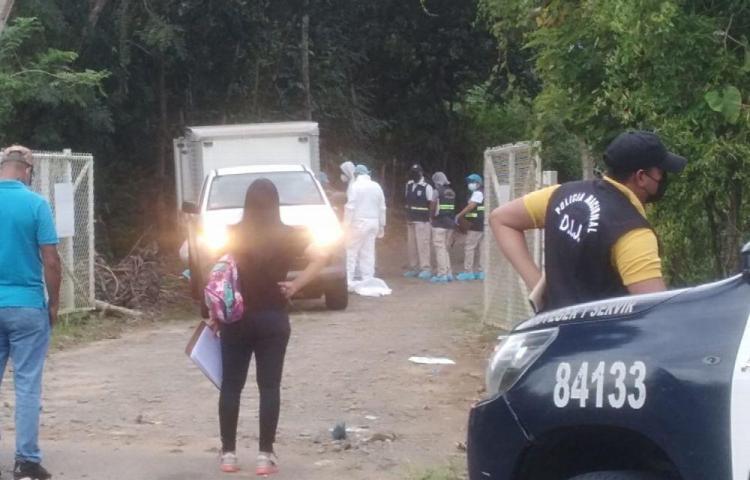 Le pegaron dos plomazos detrás del hospital Nicolás Solano