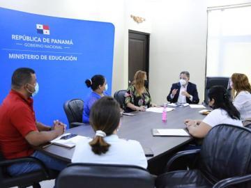 MEDUCA atiende peticiones de padres de familia y los insta a mantener el diálogo