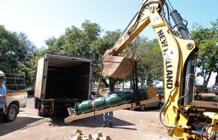 Autoridades de Herrera hacen entrega de turbina para la potabilizadora de Chitré