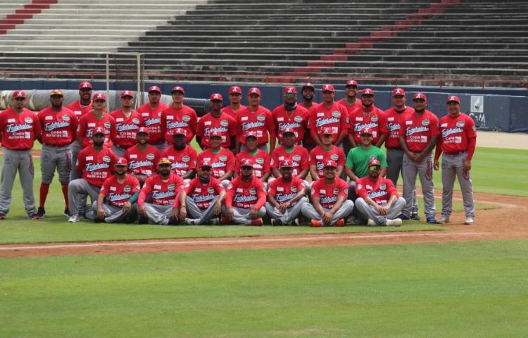 Roban a coaches de Panamá durante el juego de la Serie del Caribe