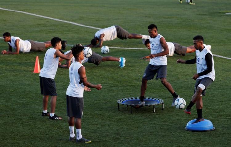 El fútbol panameño se mueve para mantener viva la llama de los fanáticos