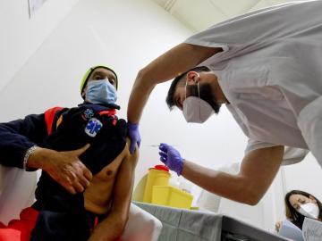 Italia asegura que en marzo tendrá 7 millones de personas inmunizadas