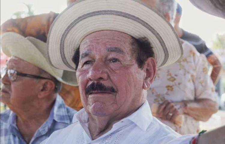 ¿Cuántos años piensa que cumple Dorindo Cárdenas hoy?