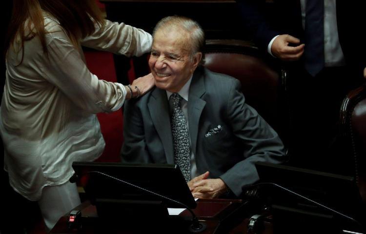 Muere polémico expresidente argentino, Carlos Menem