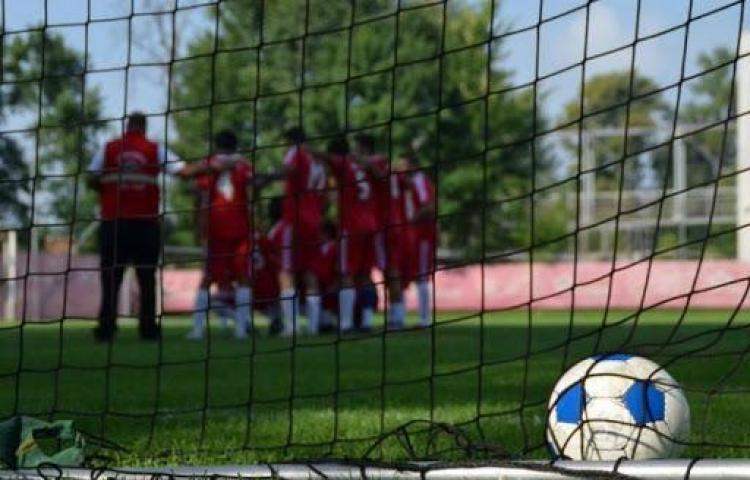 Más de 800 futbolistas ofrecen apoyo a compañeros homosexuales