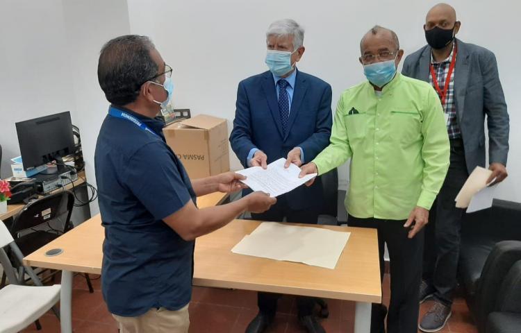 Médicos de COMUSAV piden impulsar el dióxido de cloro