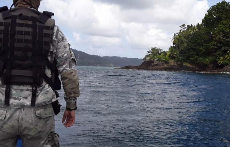Agente desapareció tras caer al mar en Parita