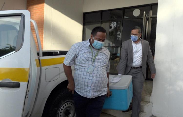 Región Metropolitana de Salud recibió más de 15 mil dosis de la vacuna anticovid