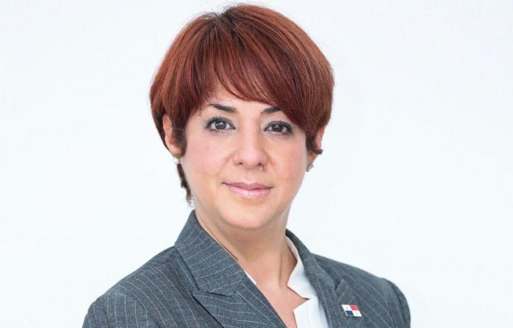En medio de escándalos, directora de la Senniaf presenta su renuncia