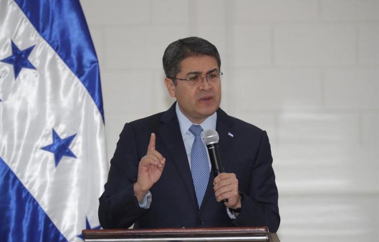 Presidente hondureño dice que testimonios de narcos en su contra son falsos
