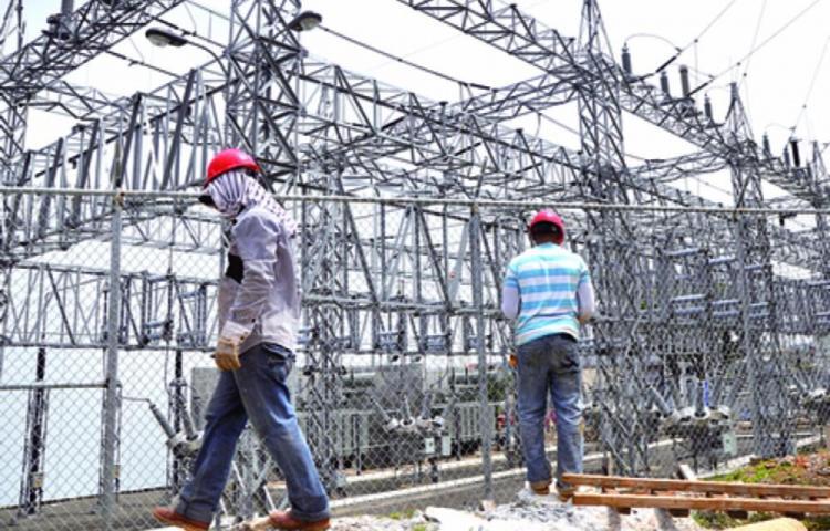 Empresarios insisten en el peligro que corre el suministro de energía eléctrica