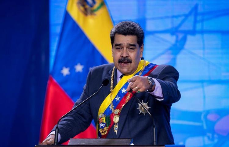 """Venezuela denuncia el """"totalitarismo digital"""" de Facebook por bloqueo a Maduro"""