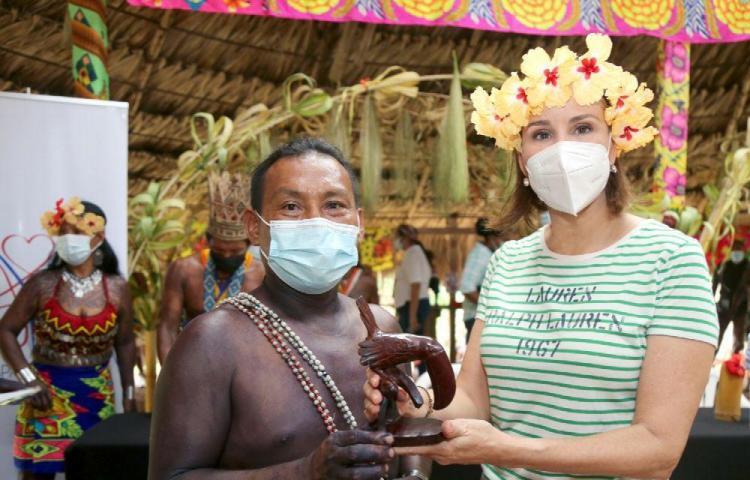Primera Dama visita comunidad Ella Purú Emberá