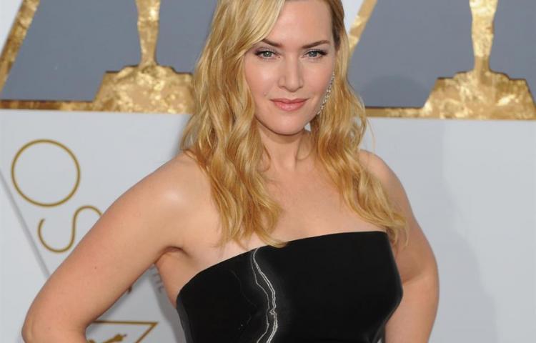 Los actores gays temen por su carrera si admiten su sexualidad, dice Winslet