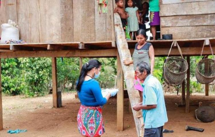 Desarrollan plan de vivienda para residentes de la comarca Emberá