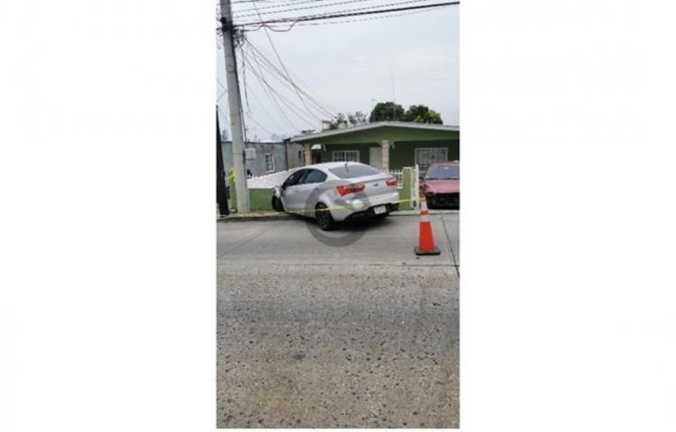 Abalean a conductor en San Cristóbal