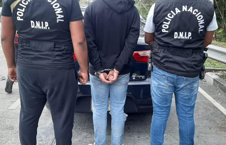 Atrapan a uno de los involucrados en el robo en plena vía Centenario
