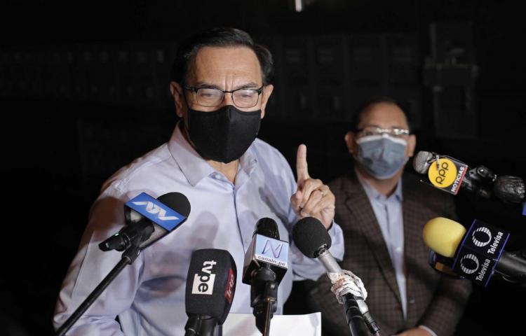 Congreso de Perú oficializa inhabilitación política del expresidente Vizcarra