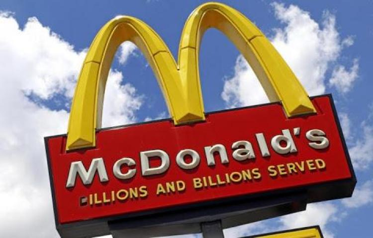 McDonald's anuncia una subida salarial en sus restaurantes de EE.UU.