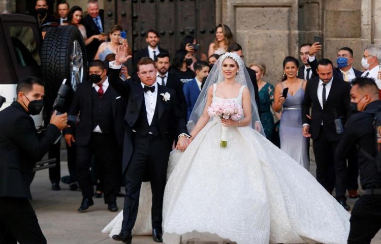 """El """"Canelo"""" Álvarez contrae matrimonio en Guadalajara y el reventón duró días"""