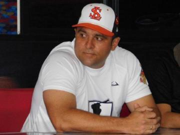 ¡Va con su provincia! Carlos Muñoz dirigirá al equipo mayor de Los Santos