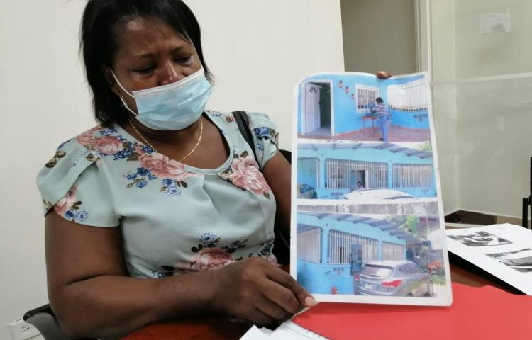 Construyó su casa y vivió allí 28 años; ahora la lanzan a la calle sin derecho a nada