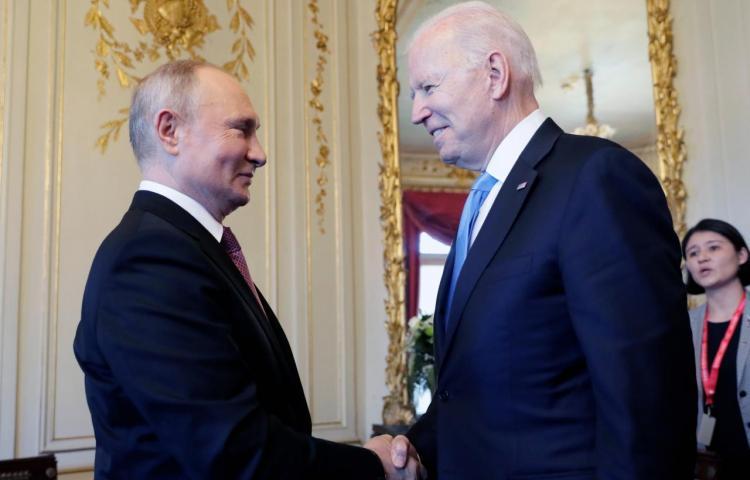 """Biden dice que es mejor verse """"cara a cara"""" y Putin desea una cumbre """"productiva"""""""
