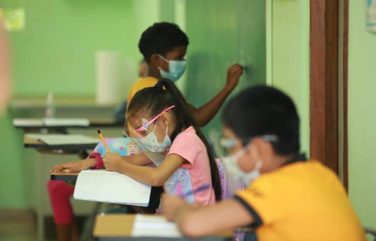 Panamá entre los países latinos con parte de sus escuelas abiertas