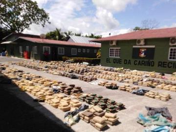 Capturan tres nicaragüenses en embarcación con 2,341 paquetes de droga en Punta Burica
