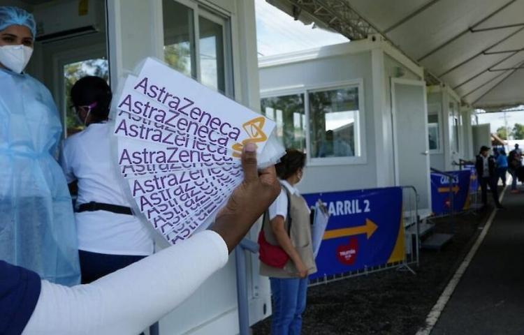 Suspenden hasta el miércoles vacunación con AstraZeneca en La Chorrera y Colón