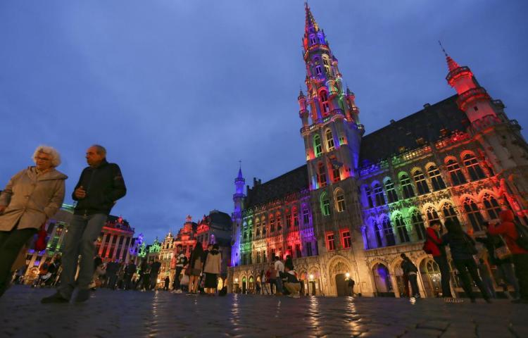 Bruselas iluminará la Grand Place con colores LGTBIQ tras polémica con UEFA