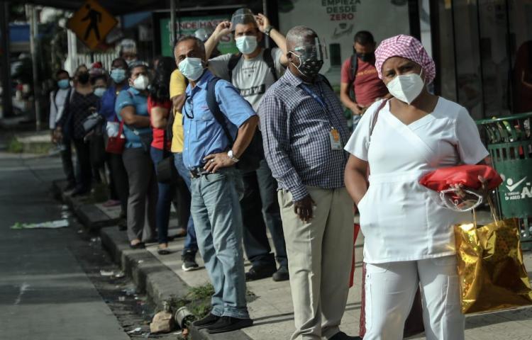 Minsa: 13 fallecidos y mil 21 casos nuevos de covid-19 se registran este sábado