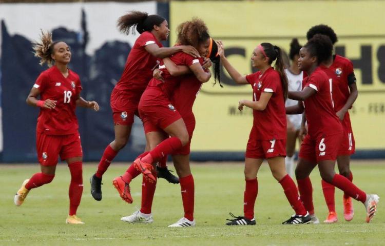 La Selección Nacional Femenina de Panamá goleó 5-0 a República Dominicana