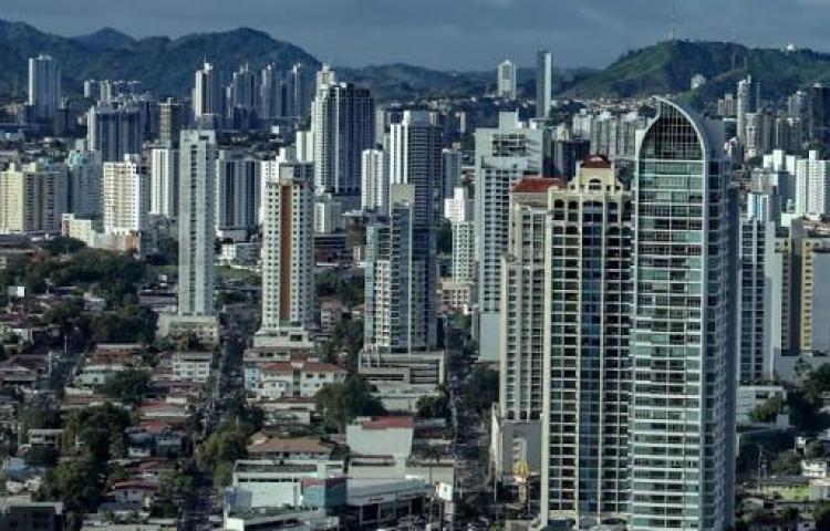 Gobierno de Panamá reconoce señales de recuperación por mejora de ingresos