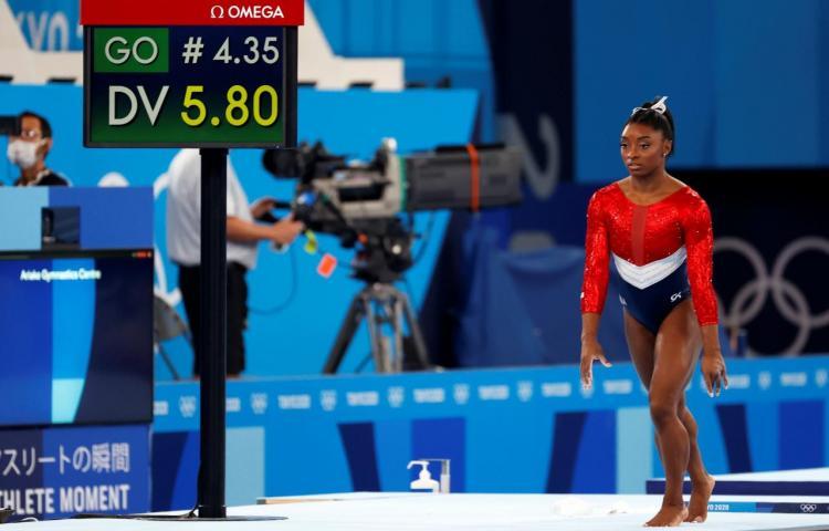 Simone Biles, fuera de la final por equipos