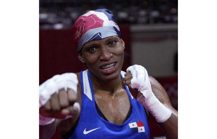 La boxeadora Atheyna Bylon se clasifica a cuartos de final