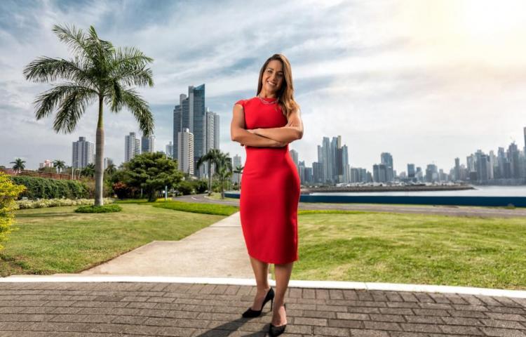 La única mujer a la cabeza de telefonía en Panamá, entre las más poderosas de Centroamérica